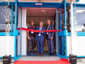 Armstrong opens new UK site